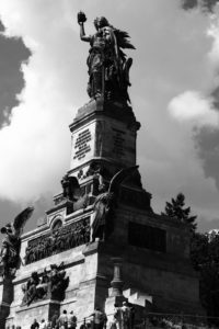 Germania über Rüdesheim