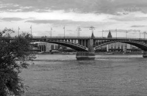 Theodor-Heuss-Brücke in Mainz–Wiesbaden