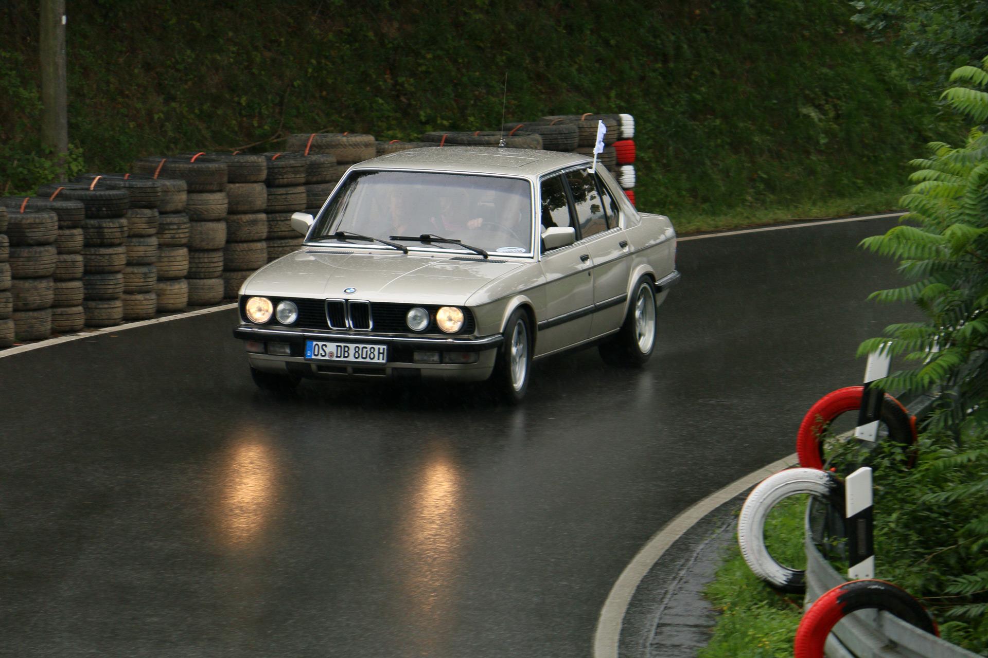 Die Baureihe E28 ist die zweite Generation der 5er-Reihe von BMW und wurde von Mitte 1981 bis Ende 1987 produziert.