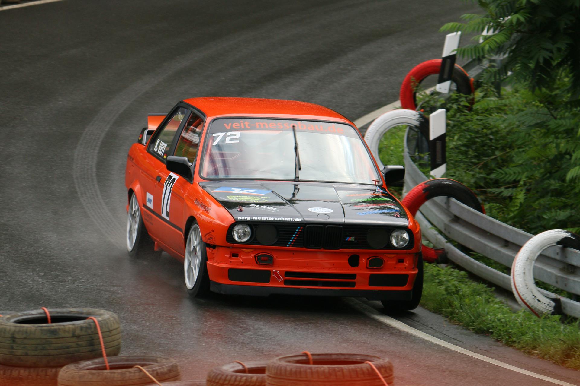 Mit dem Werkscode BMW E30 werden die Fahrzeuge der zweiten 3er-Reihe von BMW bezeichnet.