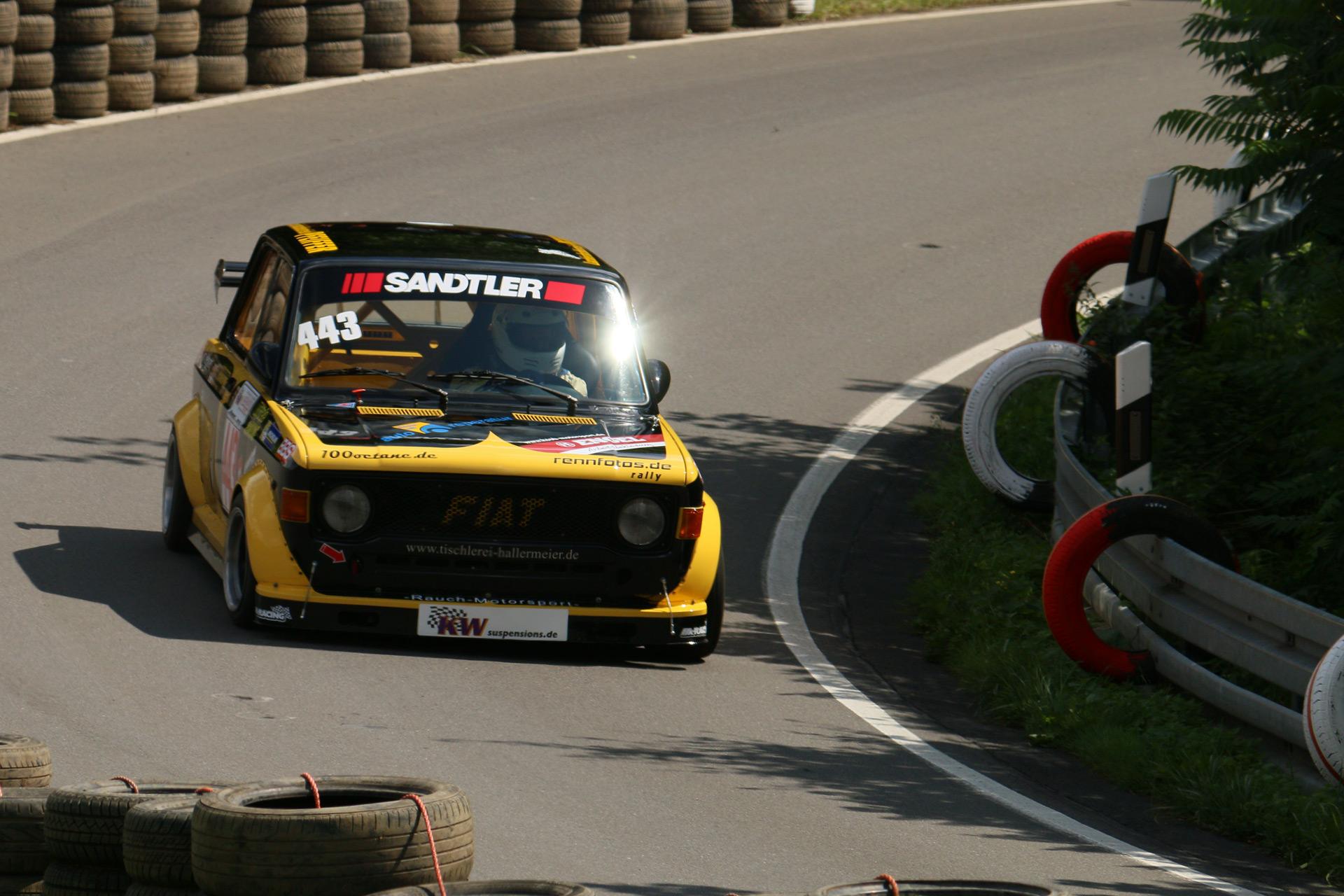 Für die 128 Rally genannte Version wurde eine 1290 cm³ große Ausführung entwickelt, die im italienischen Motorsport äußerst erfolgreich war.